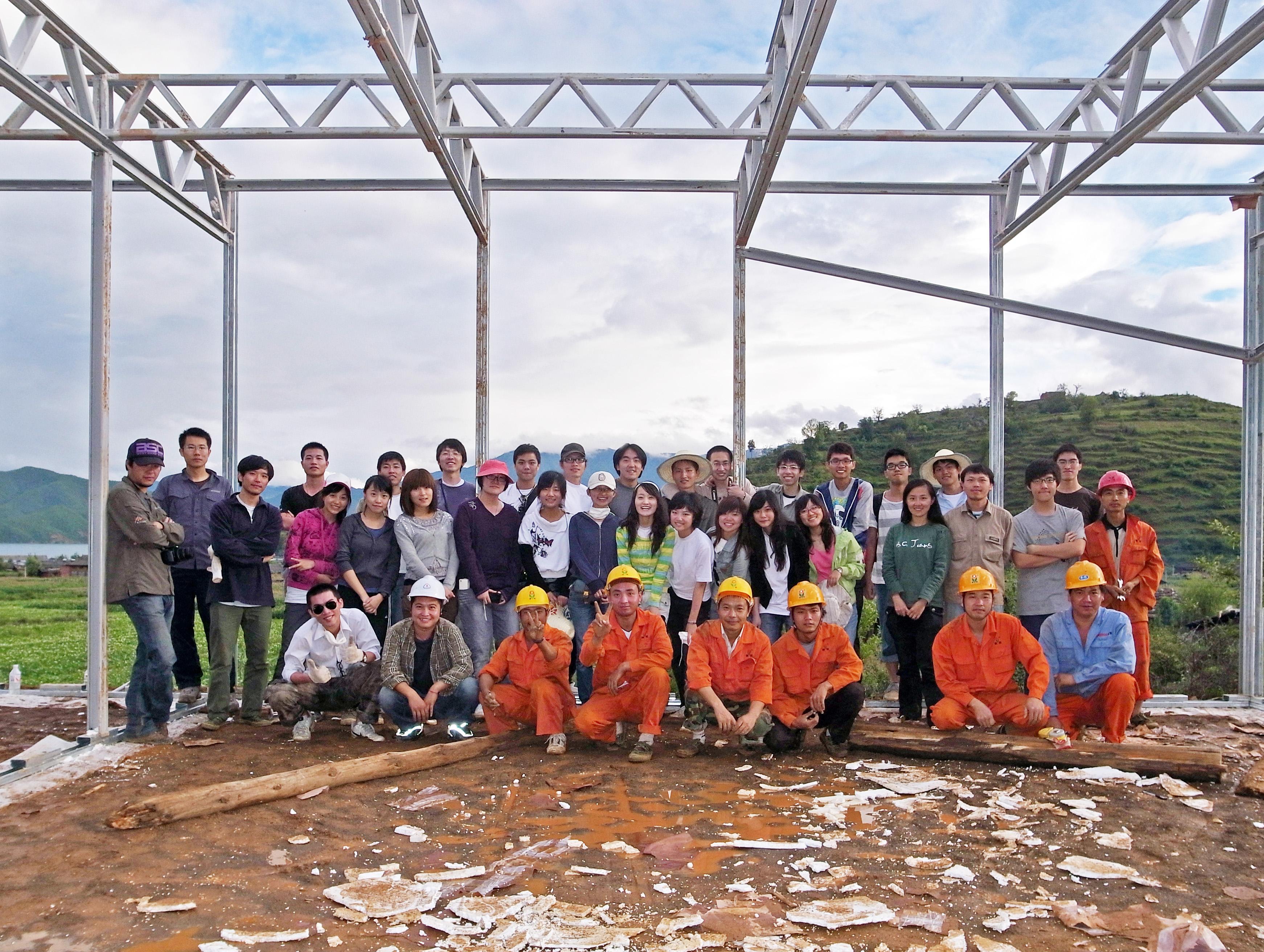 參與新芽學堂項目的大學生和建築師志願者