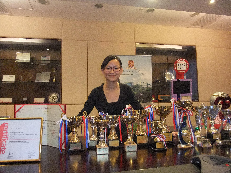 梁润谊同学自中学起出战多项本地或国际科技赛事,获奖无数。