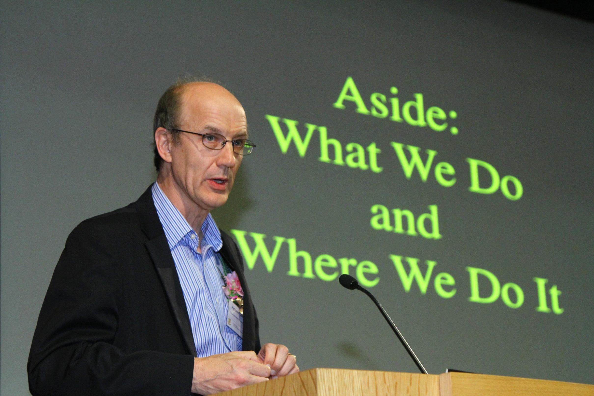 大卫‧朱维特教授以「凯伯带:我们已知与未知的事情」为题发表演讲。
