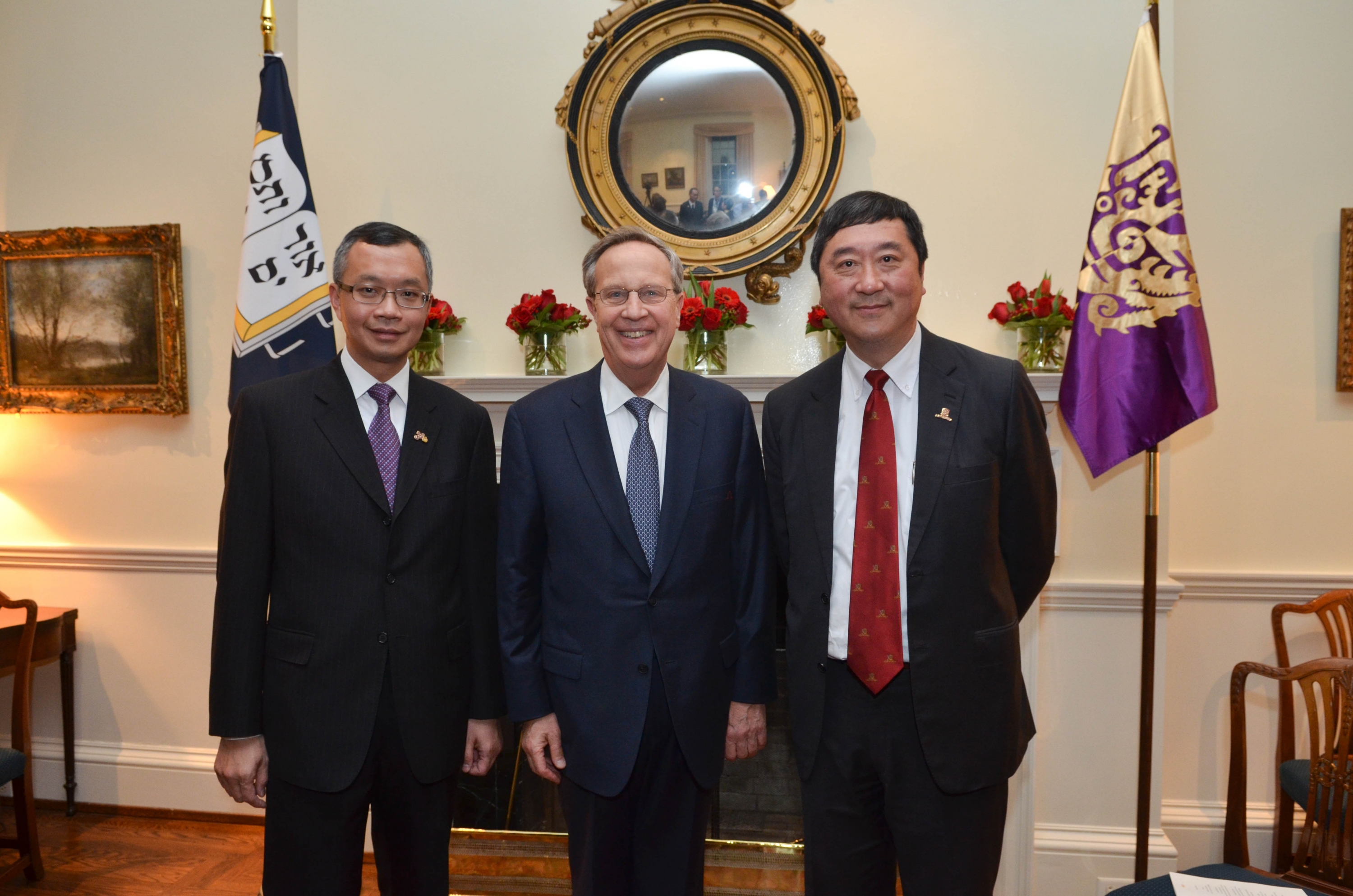 (From right) Prof. Joseph J.Y. Sung, Vice-Chancellor and President, CUHK; Prof. Richard Charles Levin, President of Yale University; and Mr. Eric S.P. Ng, Registrar and Secretary, CUHK.