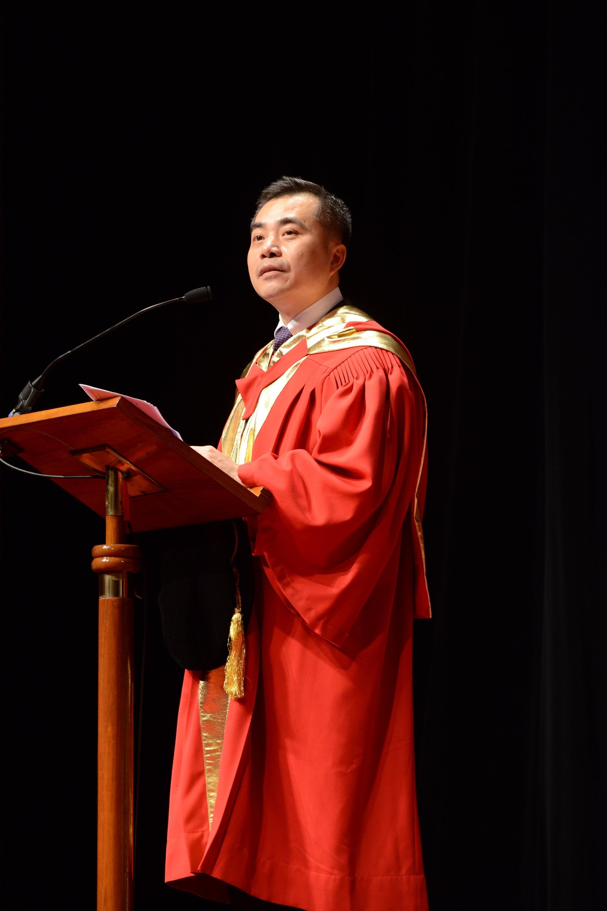 黃仁龍先生