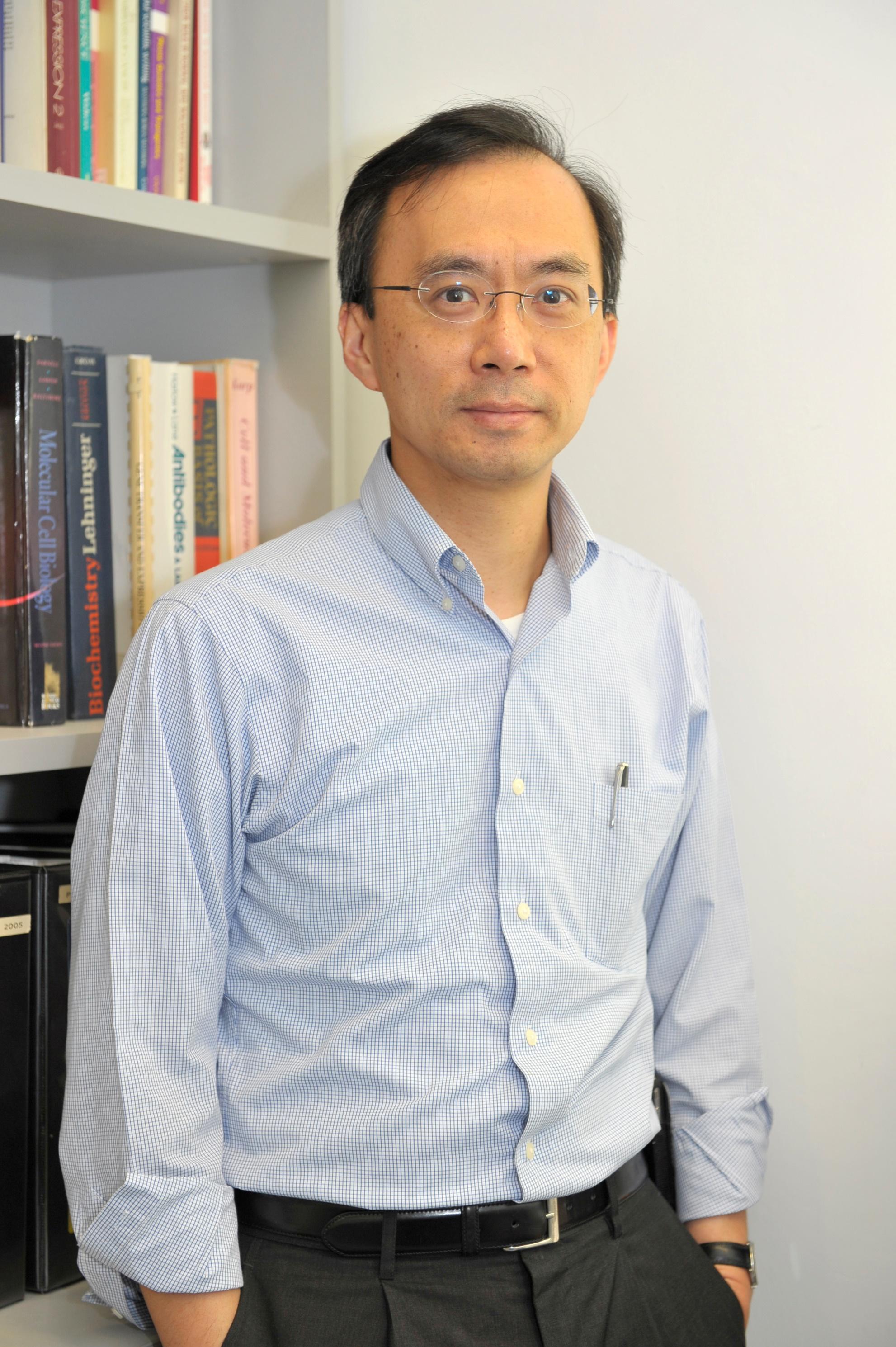 中大醫學院教授陳文樂教授與國際專家合作發現,阿茲海默氏症與可抑制癌腫瘤生長的基因「PTEN」息息相關。