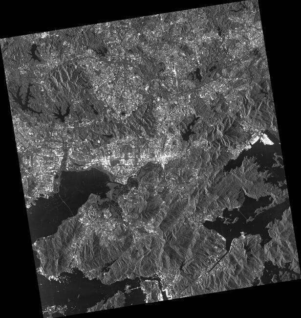 由COSMO-SkyMed衛星拍攝的深圳市與香港北部影像。