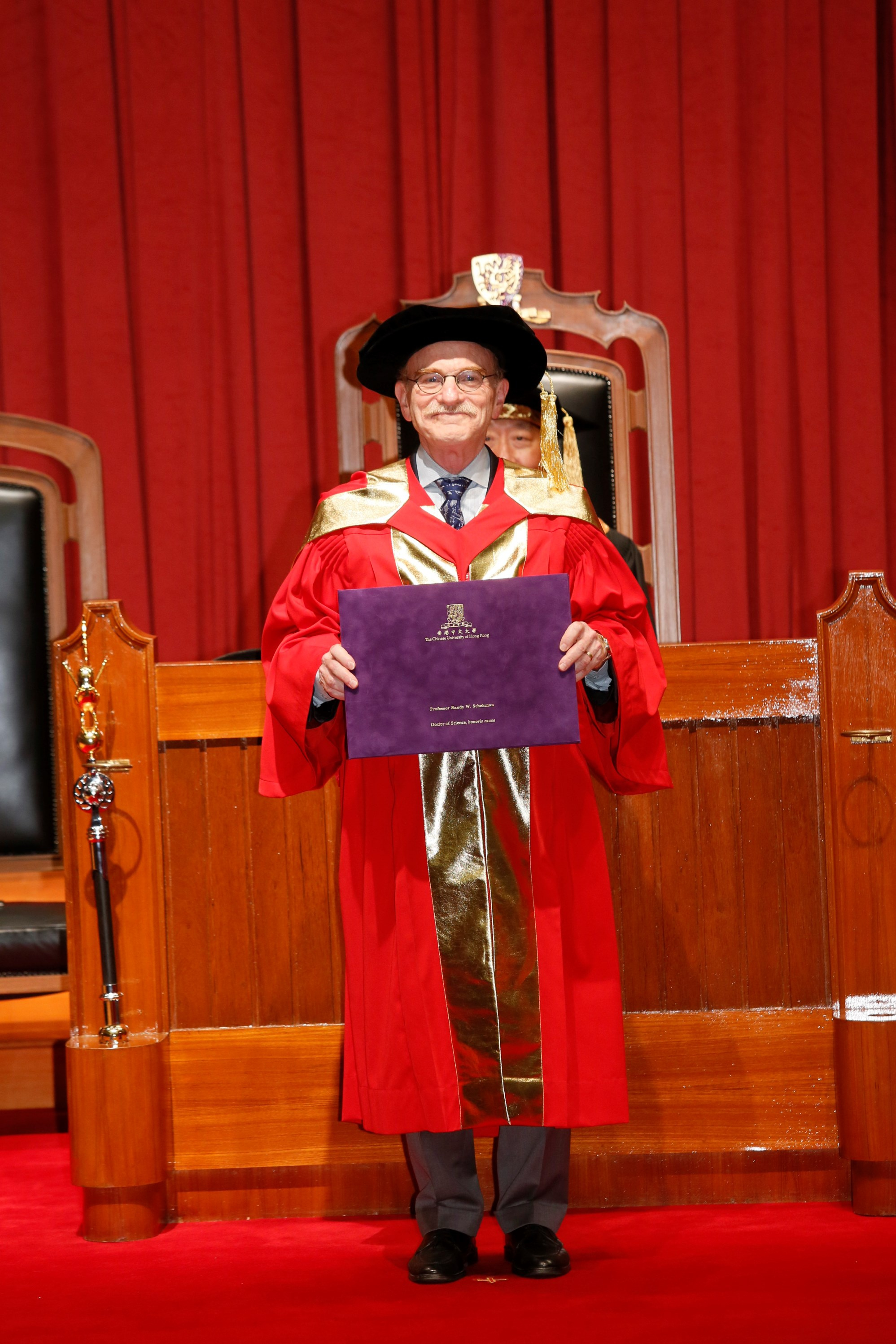 Prof. Randy W. Schekman receives the degree of Doctor of Science, honoris causa.