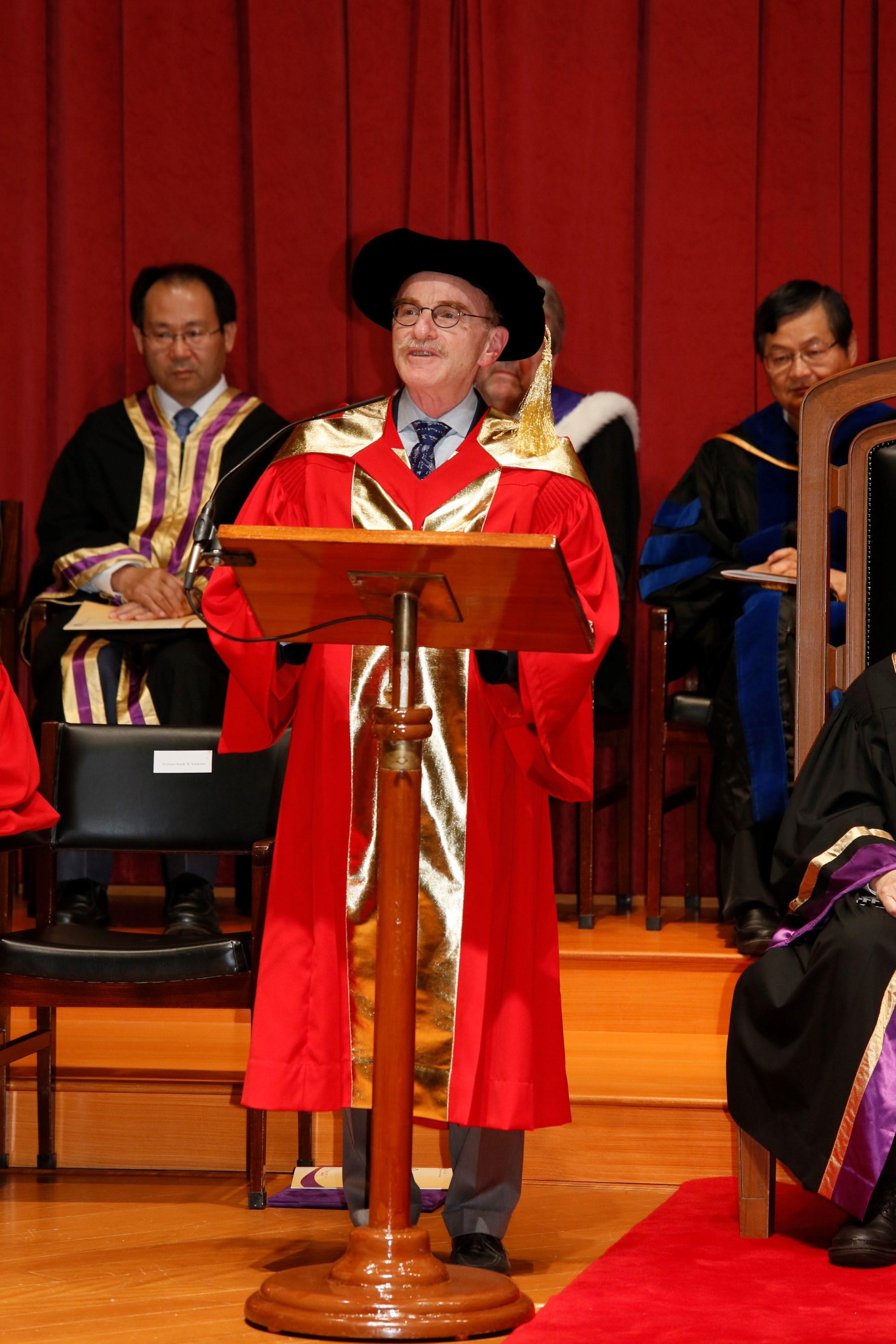 蘭迪‧謝克曼教授致辭。