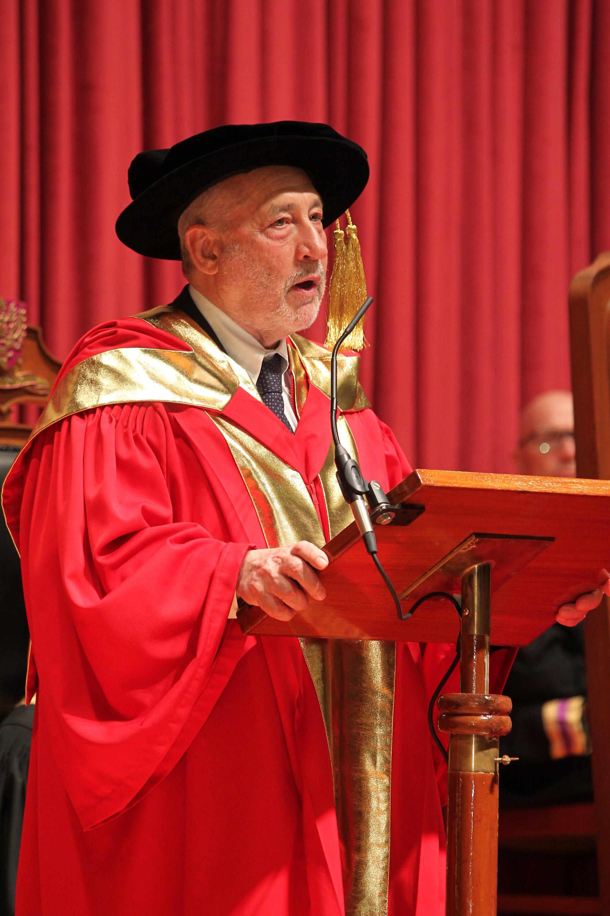 Prof. Joseph E. Stiglitz delivers a speech.