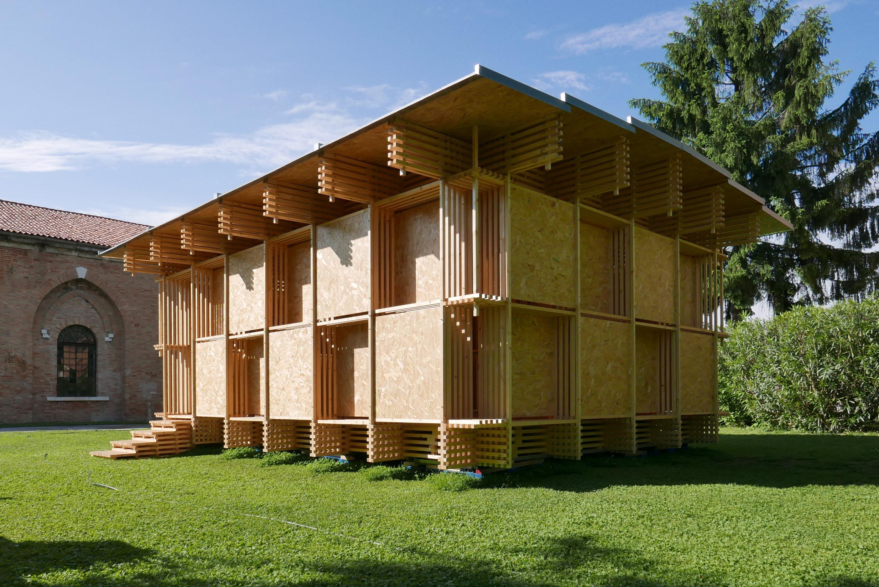 中大建筑学院朱竞翔教授设计的「斗室」在威尼斯国际建筑双年展备受瞩目。
