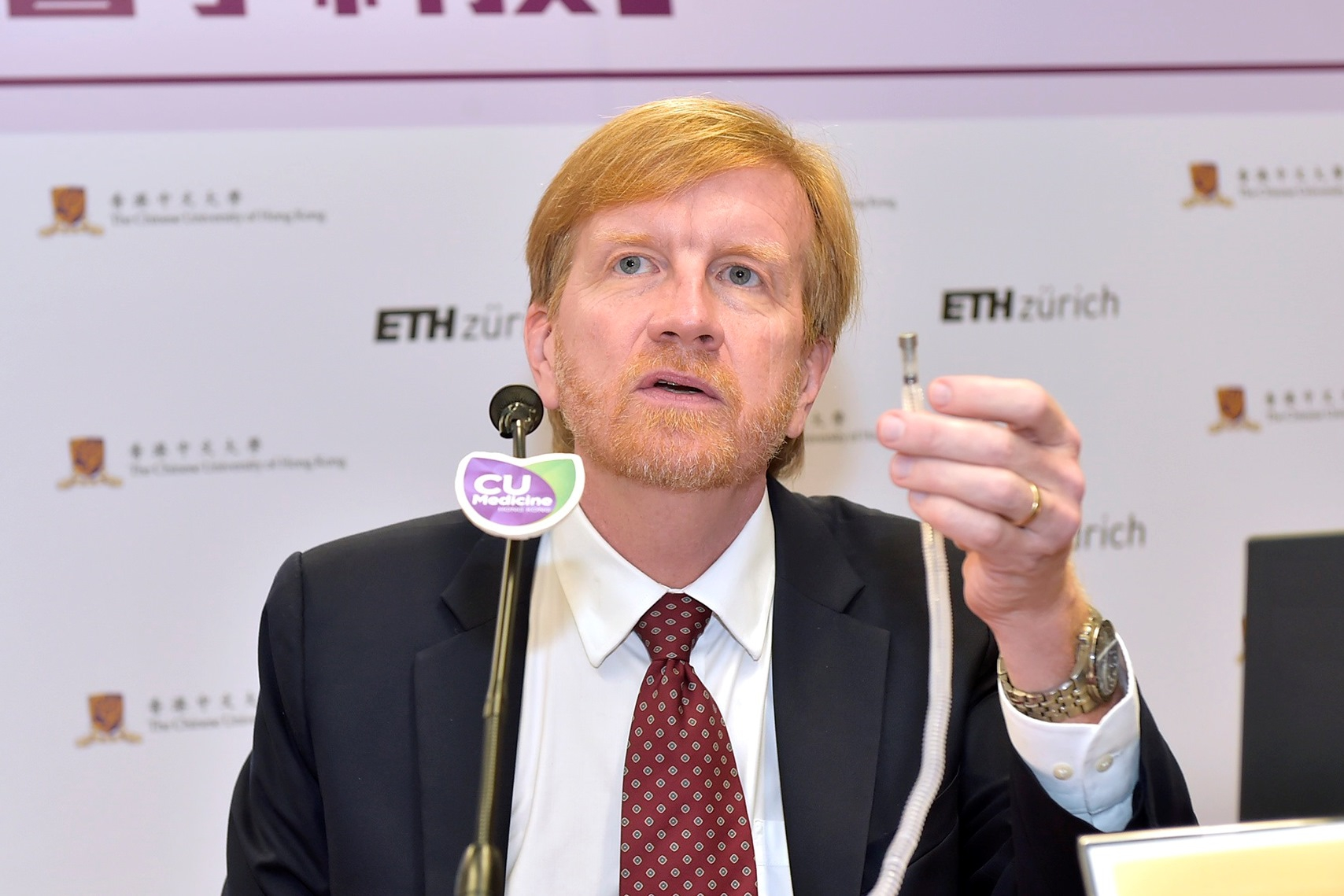 Prof. Dr. Bradley NELSON says that the tip of the magnetic guided endoscope is made with nanotechnology, which can deliver drugs or conduct biopsy.