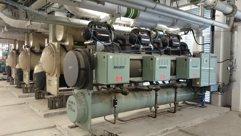 大學為合適的建築群安裝區域供冷系統,以節省電力。