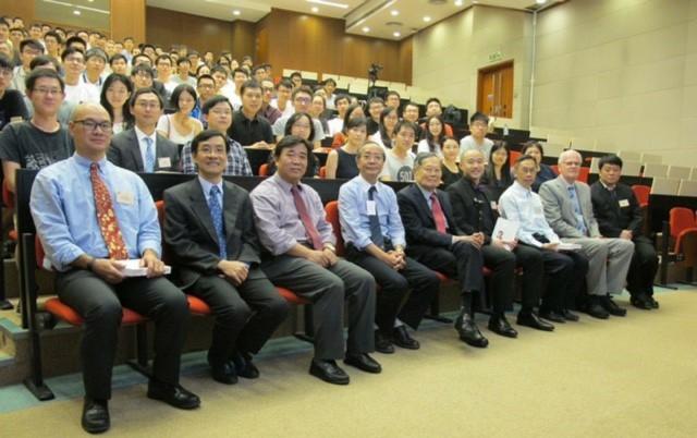 超過一百名中大師生出席座談會。