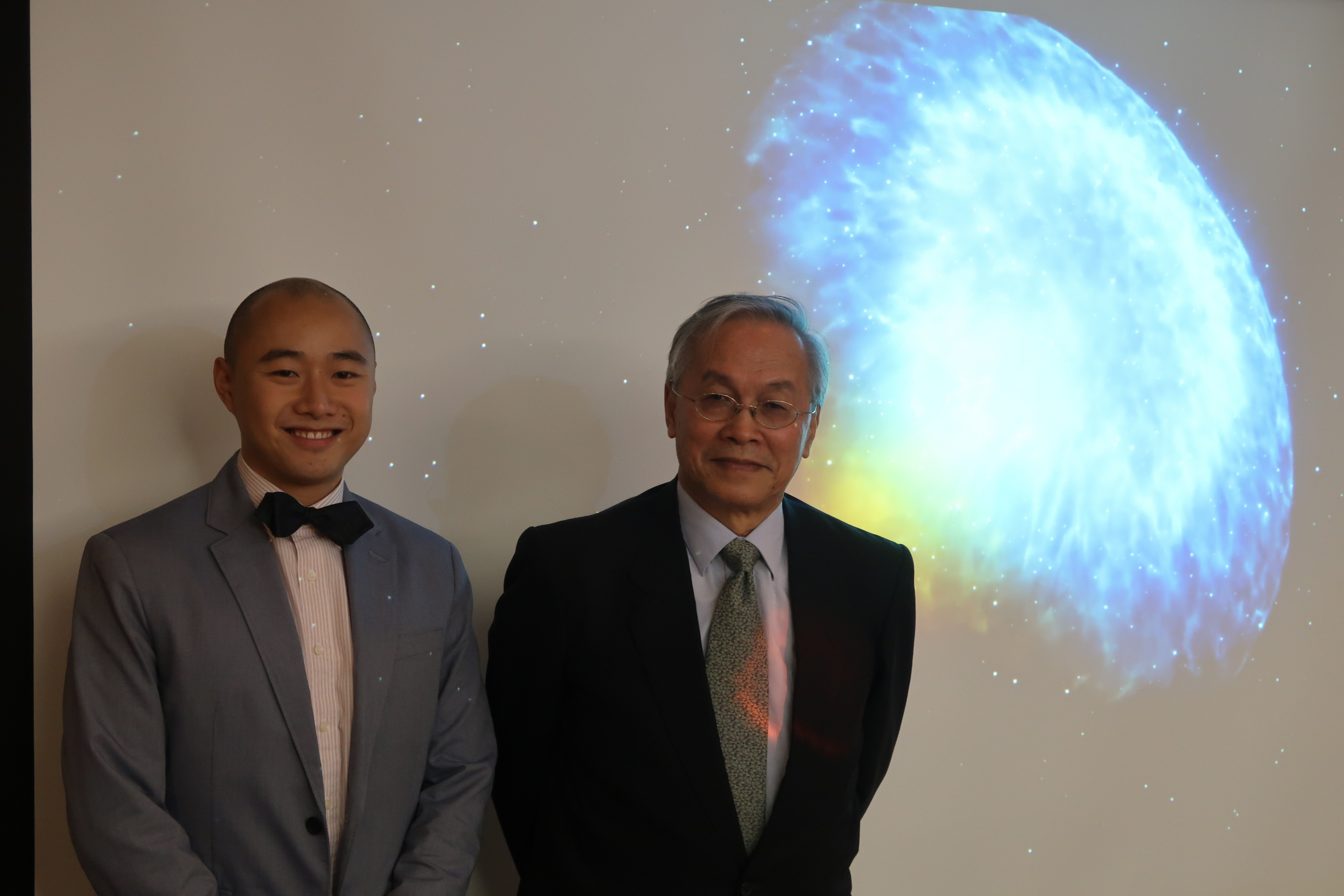 Prof.  Tjonnie G. F. LI, Assistant Professor, Department of Physics, CUHK (left) and Prof. Wing-Huan IP, Professor, K.T. Li Chair Professor, Institutes of Astronomy and Space Science, National Central University from Taiwan introduce the details of LIGO and Virgo make first detection of gravitational waves produced by colliding neutron stars.