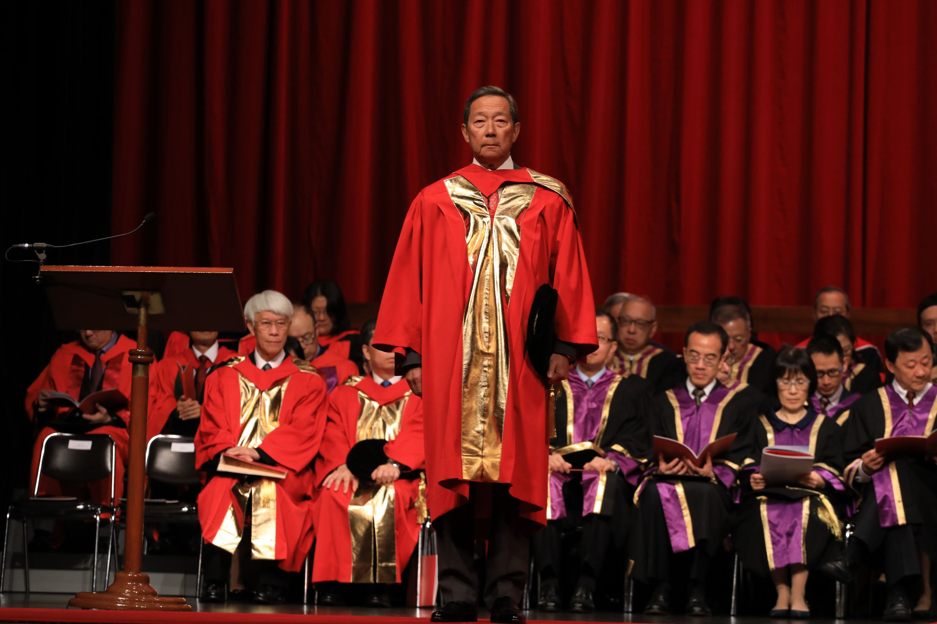 Dr. Ip Sik-on Simon receives the degree of Doctor of Social Science, honoris causa