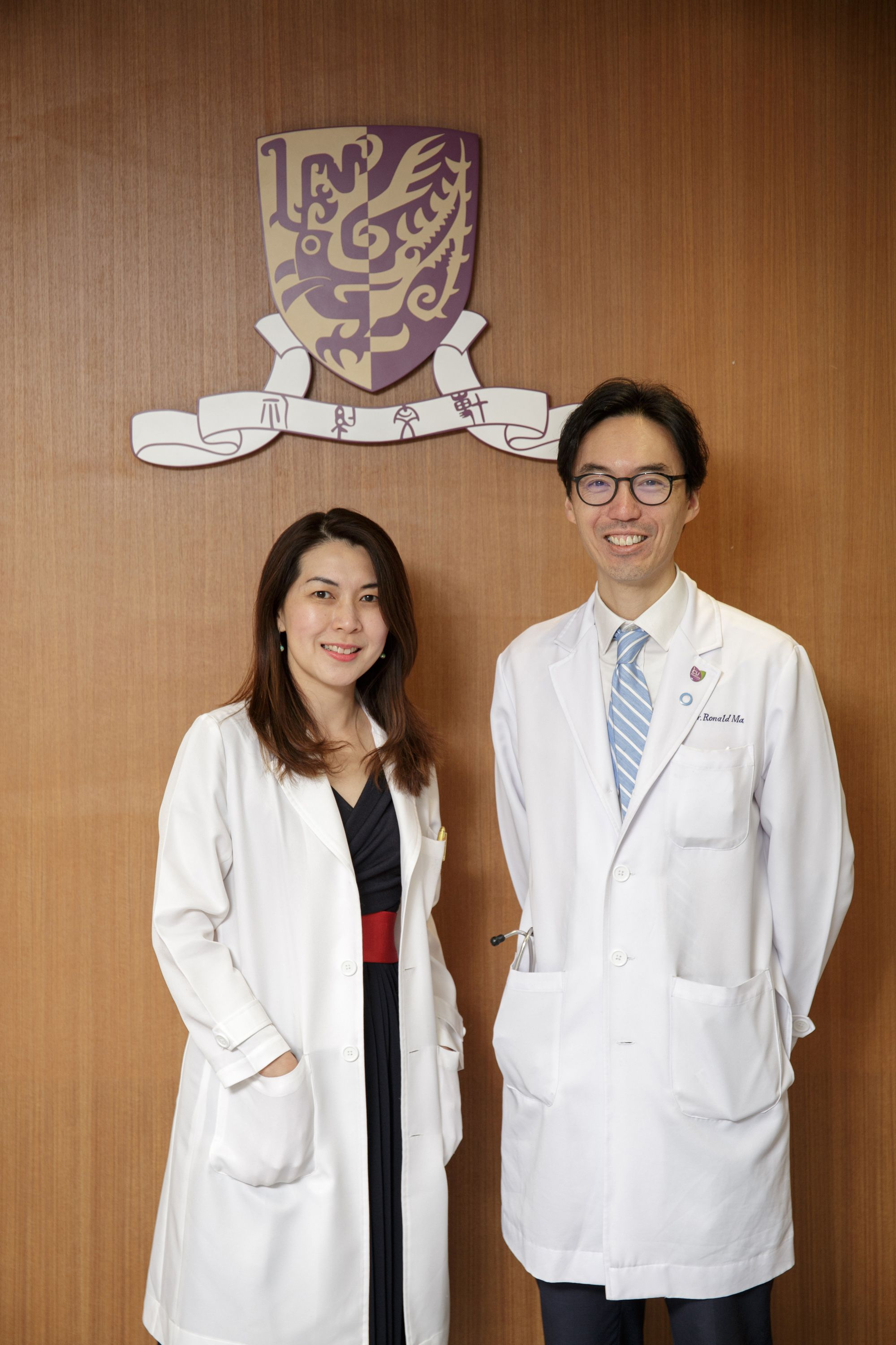 Professor Ronald Ching Wan Ma (right),  Professor and Head of Division of Endocrinology and Diabetes, Department of Medicine and Therapeutics, Faculty of Medicine, and Professor Siew Chien Ng (left), Professor, Division of Gastroenterology and Hepatology, Department of Medicine and Therapeutics, Faculty of Medicine, CUHK