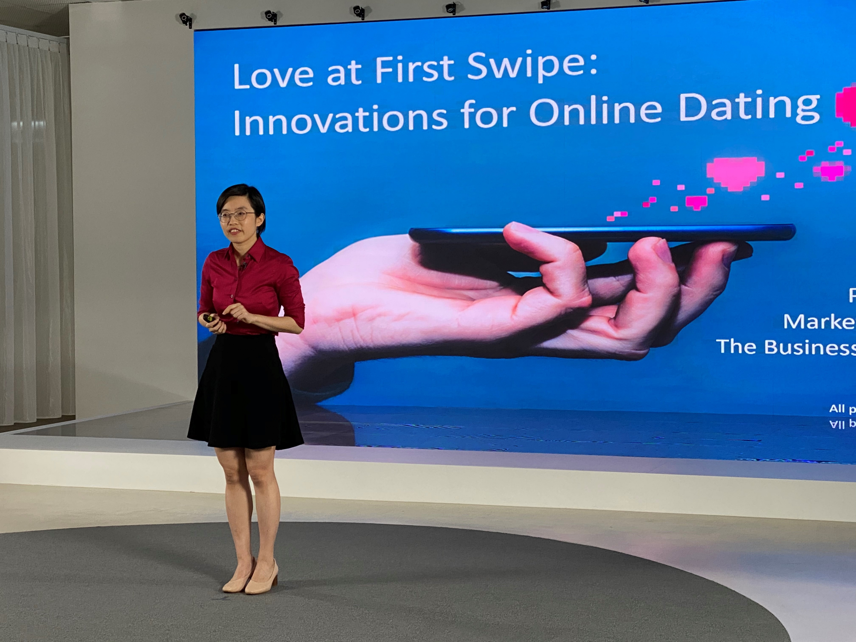 """Professor Tingting Fan from the Department of Marketing speaks on the topic """"Love at First Swipe: Innovations for Online Dating""""."""