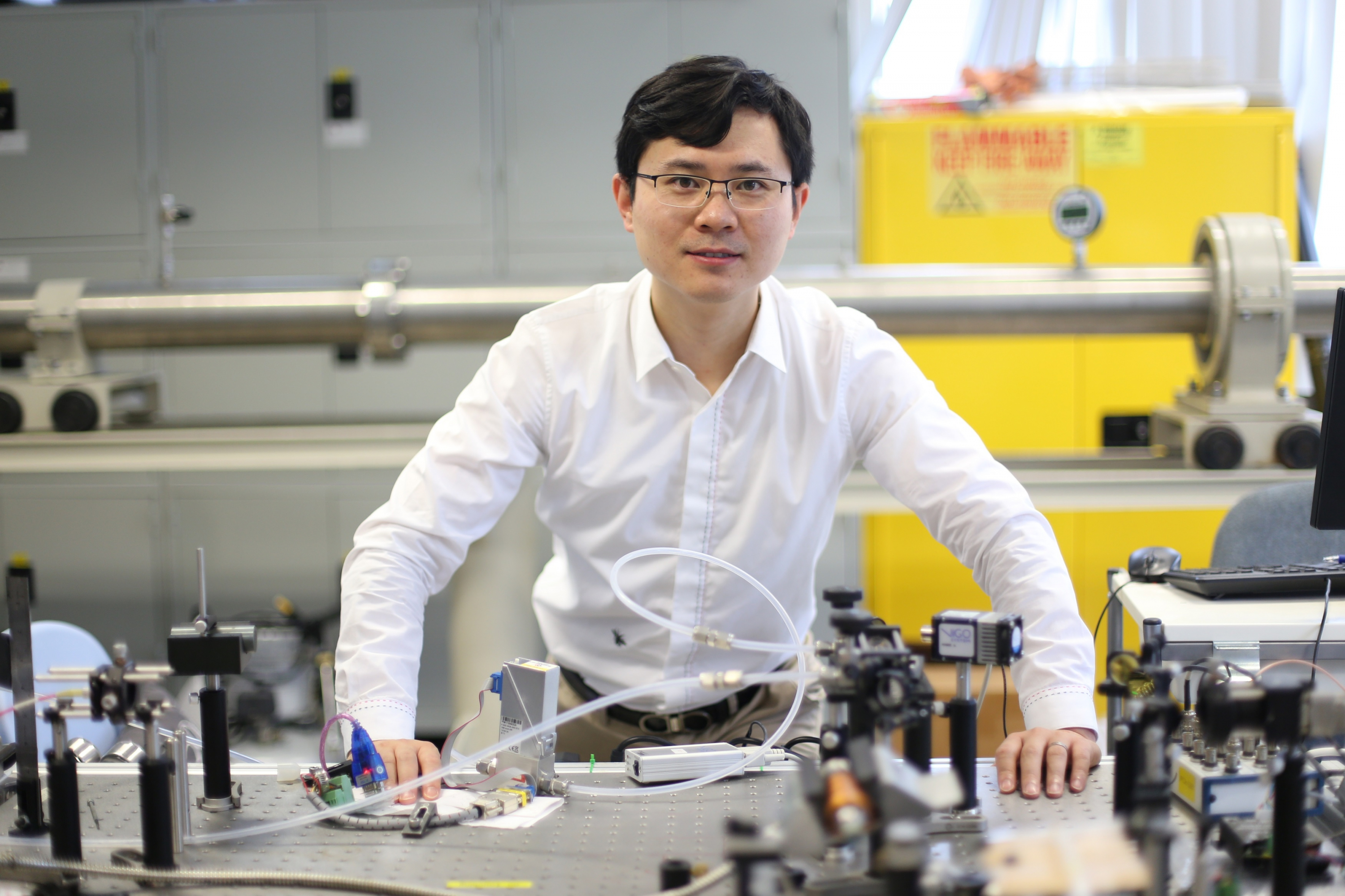Prof. Wei Ren studies kinetics in combustion, atmosphere and interstellar chemistry. He also develops novel spectroscopic techniques for trace gas sensing.