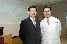 中大內科及藥物治療學系名譽臨床助理教授馮永康醫生(左)及中大內科及藥物治療學講座教授兼心臟科主任余卓文教授
