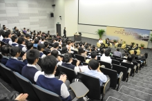 The lecture attracts over a hundred university and secondary school students