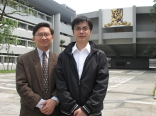 中大博士生鄭子彬(右)及其指導老師呂榮聰教授