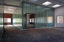 室內四個空間的尺寸、比例與朝向各不相同,並善用自然採光及自然通風