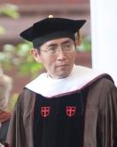 中大東亞研究中心人文學科講座教授北島教授(趙振開)獲美國布朗大學頒授榮譽文學博士學位。(照片由美國布朗大學提供)