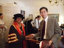 布朗大學校長路斯.西蒙斯教授與北島教授合照
