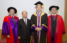 (From left) Prof. David Shu-cheong Hui, Stanley Ho Professor of Respiratory Medicine, and Head, Division of Respiratory Medicine, Department of Medicine and Therapeutics, Faculty of Medicine, CUHK; Mr. Patrick W.M. Huen, Vice Chairman, Board of Trustees, Dr. Stanley Ho Medical Development Foundation; Prof. Joseph J.Y. Sung, Vice-Chancellor, CUHK; Prof. Fok Tai-fai, Dean, Faculty of Medicine, CUHK