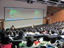 講座配以短片,讓同學印象深刻。