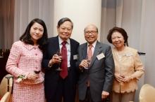 楊振寧教授伉儷與冼為堅博士伉儷合照。