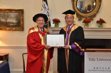 Prof. Joseph J.Y. Sung, Vice-Chancellor and President of CUHK (right) presents the certificate of Honorary Degree of Doctor of Laws to Prof. Richard Charles Levin, President of Yale University. (Photos courtesy of Yale University/Michael Marsland)