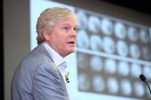 邁克爾•楊教授以「控制睡眠及晝夜節律的基因」為題發表演說。