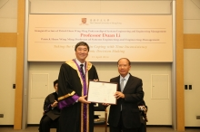 Prof. Joseph JY Sung presents a certificate of appreciation to Mr. Patrick Huen, donor of Patrick Huen Wing Ming Professorship of Systems Engineering and Engineering Management.