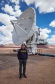 中大物理系李华白教授及其研究小组花了近十年时间, 揭示巨型恒星诞生之奥秘。