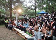 現場觀眾一起參與敲擊樂大合奏。
