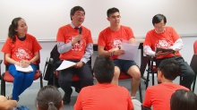 Prof. Joseph Sung hosts a quiz game in the Morningside orientation camp to check the freshmen's understanding of the campus.