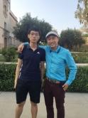 中大物理系本科生劉家棟(左)亦於去年暑假前往加州理工學院跟從黎冠峰教授參與LIGO的研究工作。