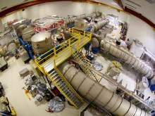 LIGO探測站內的鐳射及真空設備。(相片來源: LIGO Laboratory)