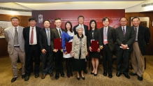 Prof. Rosie YOUNG (front row) poses for a group photo with CUHK members. (From left, back row) Prof. TSANG Hon-ki, Chairman of the Department of Electronic Engineering; Prof. Kenneth YOUNG, Master of C.W. Chu College; Prof. HUANG Yu, Professor of the School of Biomedical Sciences; Prof. Jonathan CHOI, recipient of Croucher Innovation Award 2016; Prof. Rossa CHIU, recipient of Croucher Senior Medical Research Fellowship 2016; Prof. Joseph SUNG, Vice-Chancellor and President of CUHK; Prof. Jun YU, recipient of Croucher Senior Research Fellowship 2016; Prof. Dennis LO, Associate Dean (Research) of the Faculty of Medicine; Prof. Henry WONG, Dean of the Faculty of Science; and Prof. Arthur MAK, Professor, Department of Mechanical and Automation Engineering.