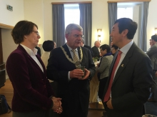 Prof. Joseph Sung, Vice-Chancellor of CUHK (right) speaks with Mr. Jan van Zanen, Mayor of Utrecht (middle) and Mrs. Marjan Oudeman, President of the Executive Board of Utrecht University (left) at the City Seminar reception.