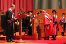蘭迪‧謝克曼教授獲頒授榮譽理學博士學位。
