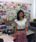 林淑贞女士的办公室贴满同事好友送赠的小礼物。