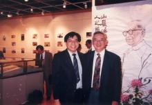 张学明教授(左)与余英时教授摄于九零年代的中大。
