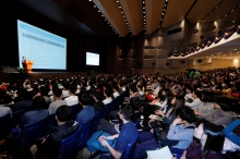 The admission talk attracts a full house of audience.