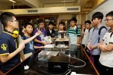多个实验室开放参观。