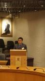 Prof. Wang Jianfang gives an acceptance speech.
