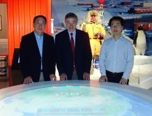 (左起) 中大陳永勤教授、劉雅章教授及浸大李劍鋒博士
