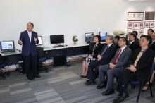 國家教育部代表團了解中大科研發展。