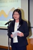 香港賽馬會慈善事務部主管 (長者、復康、醫療、環保及家庭) 陳載英女士致歡迎辭