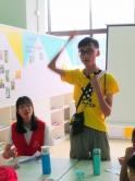 邱隽耀同学于佛山帮助一群留守儿童,浅尝教学的苦与乐。