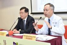 李大拔教授(左)表示学童家长缺乏对HPV或子宫颈癌的认识,是本港现在HPV疫苗接种率低的主要成因,建议加强相关的健康教育。