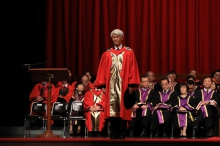 Professor the Honourable Yam Chi-kwong Joseph receives the degree of Doctor of Social Science, honoris causa